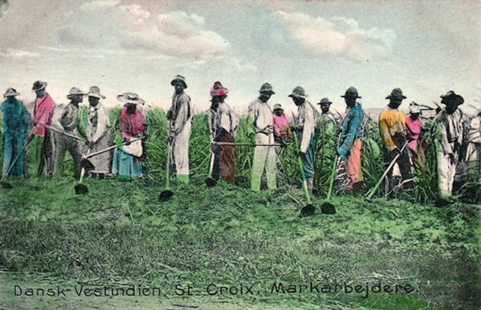Håndkoloreret kort fra ca. 1910 af markarbejderne, der arbejder