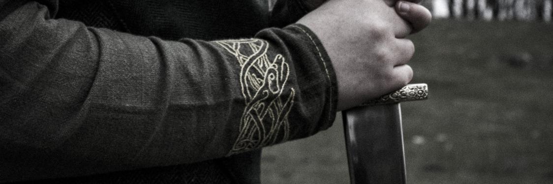 Viking med sværd