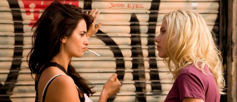 To kvinder der snakker sammen